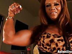 Muskel babe pumper op hendes store Klit