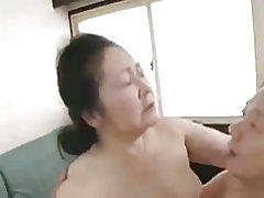 Japansk bedstemødre 70 +
