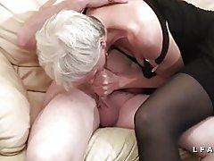 Libertine bedstemor tager en ung i en plan om en 3