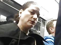 Moden dame kan lide bule... hun kan ikke stoppe kigge